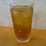 味鮮園 - お冷やはウーロン茶
