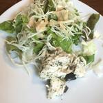 トラットリア・リトルマルコ - ササミとオリーブのマリネのサラダ