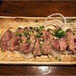 個室居酒屋 座楽 - まぐろホホ肉のレアステーキ Mサイズ