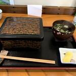 鳥峰うなぎ店 - 料理写真:うな重特上 2360円