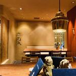 138197619 - 店内は統一された内装でモダンで落ち着いた空間です♫