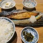 ムスブ田町魚金 - とろ鯖塩焼き定食