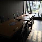 サラザン - 1階席/テーブル3つで最大12名様、2つで8名様※フルコースご予約時のみ