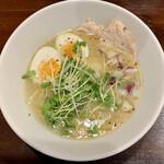 鶏白湯専門 ラーメンそら - 料理写真: