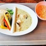 BACKPACKER'S CAFE 旅人食堂  - グリーンカレー 850円