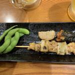 蔵元 豊祝 - セットの枝豆・焼鳥・練り物