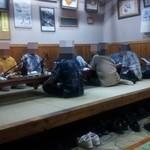 大木海産物レストラン - 地元の年配方の宴会