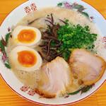 鷹多花 - 濃厚豚骨(税込680円)+味玉トッピング(税込100円)