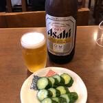 ときわ食堂 - ビール(大)+きゅうりぬか漬け