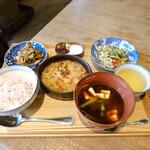 カシカ - 薬膳の定食