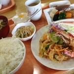 喫茶オレンジ - 道の駅ランチ600円。お得です。