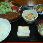 ひょうたん - 料理写真:大人気!味噌カツ定食(850円)