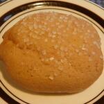 食人 - いちごのメロンパン(期間限定)