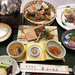 あづま荘 - 料理写真:和風懐石膳