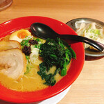 えび豚骨ラーメン 真面目 - エビ豚骨味噌+ほうれん草&水餃子  1280円