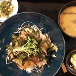 海鮮問屋仲見世 - 海鮮丼定食 ¥750