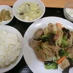 西安刀削麺 - 日替わり定食600円