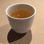 自然の薬箱 カフェ&キッチン - ランチ お魚料理(税込 1,600円)評価=◎【ブレンド茶】