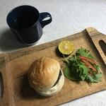 カメオカハサムコッペパン - 朝ごはんでいただきま〜す