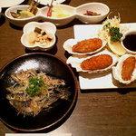 1383449 - 旬菜三種盛・カキフライ・ワカサギの唐揚げ
