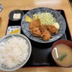 しんちゃん - 料理写真:しんちゃん@南大塚 鳥唐揚定食(640円)