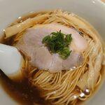 138307670 - 醤油らぁ麺 800円