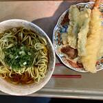 和風食事処ととろ - 天ぷらそば(¥850)