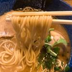 らーめん矢吹 - 味たま魚介醤油の麺