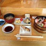 たか鮨 - ちらし(ランチ)¥700