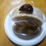 cake&coffee 五番街 - 料理写真:和栗ロール