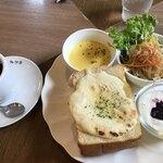 珈琲館 - 料理写真:シシリアンセット  850円 コーヒー  200円