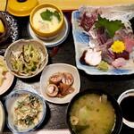 """津あき - 料理写真: """" お造り定食 """" だと思う"""