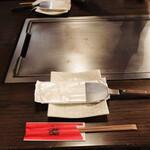 お好み焼・鉄板焼 88 パチパチ - テーブルセッティング