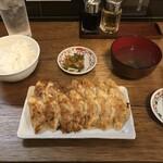 餃子ノ酒場おおえす -