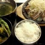 韓豚屋 - 鶏のねぎ塩定食900円