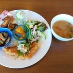 サッドカフェ - 料理写真:週替わりランチ