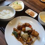 盛飯店 - 料理写真:酢豚定食930円