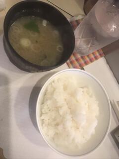 ステーキハウスひのき - ご飯お代わりOK!