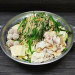 津々浦々 - もつ鍋 煮干し醤油仕立て