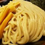 舎鈴 - つけ麺の麺!