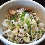 麺処丹治 - ミニチャーシュー丼300円
