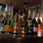The Public stand - シャンパン・スパークリングワイン各種取り揃えております♪