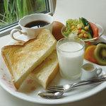 カフェ コスモス - ブランチセット(ドリンク付き600円)