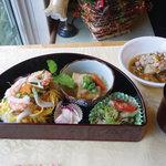 カフェ コスモス - コスモスランチ(ドリンク付き1000円)