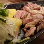 お料理とお酒 実りや - 親鳥の炭たたき ¥1280