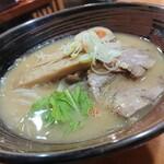 爆じゅう餃子 餃点 - 料理写真:濃厚!味噌ラーメン(850円)