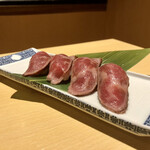 138417760 - 和牛炙り寿司
