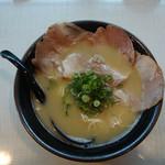 自家製麺 亀八 - とりラーメン