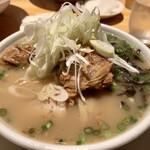 ラーメン小金太 - 柔らかな豚骨に鶏ガラと野菜の甘味〜優しくて良いね♡