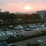 13843613 - 座った席の窓からは夕日が…さようなら鹿児島(笑)
